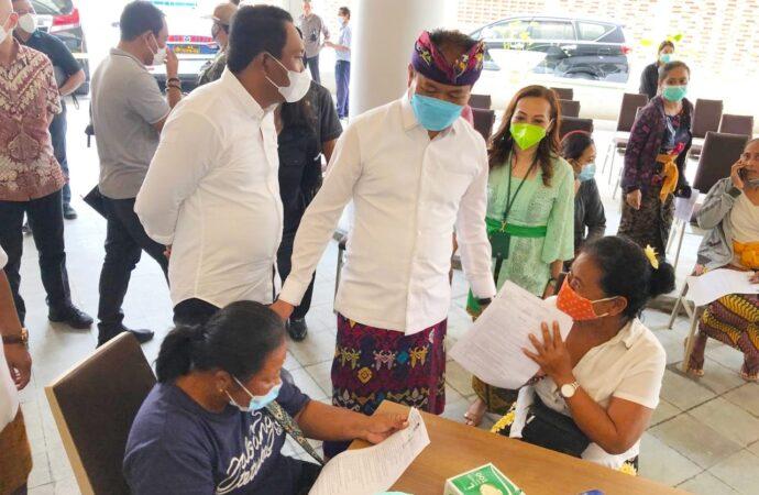 Vaksinasi Perluasan Zona Hijau di Badung Dimulai