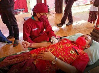 Bupati Gede Dana Ikut Donor Darah