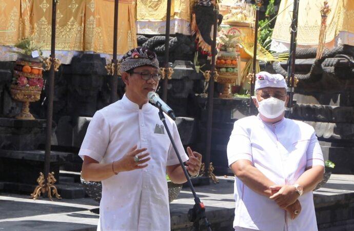 Upacara Piodalan dan Pemelaspasan Gong di Pura Desa Padang Luwih