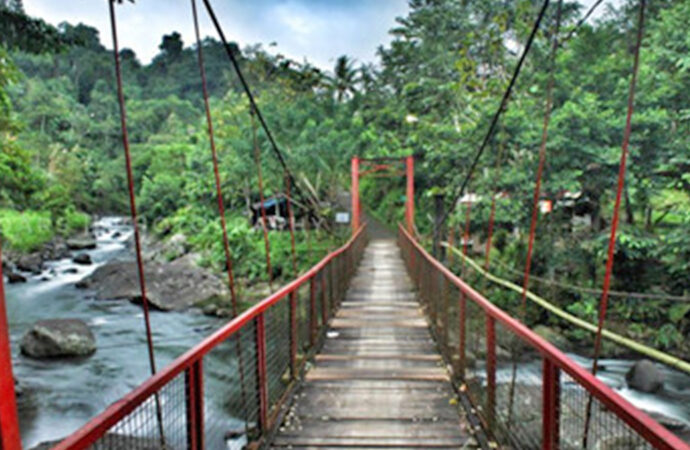 Want to Get Cool Photos? Just Take Them at Gelar River