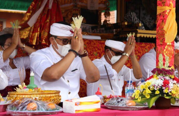 Melaspas dan Pujawali di Pura Puseh Abian Tuwung
