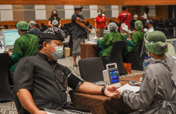 Wujudkan Green Zone, Pelaku Pariwisata The Nusa Dua Divaksin Dosis Kedua