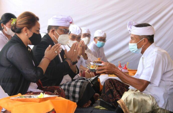 Pujawali di Pura Luhur Pucak Padang Dawa