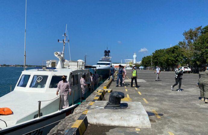 Tim Yustisi Pantau Prokes di Jalan Gunung Galunggung dan Pelabuhan Benoa