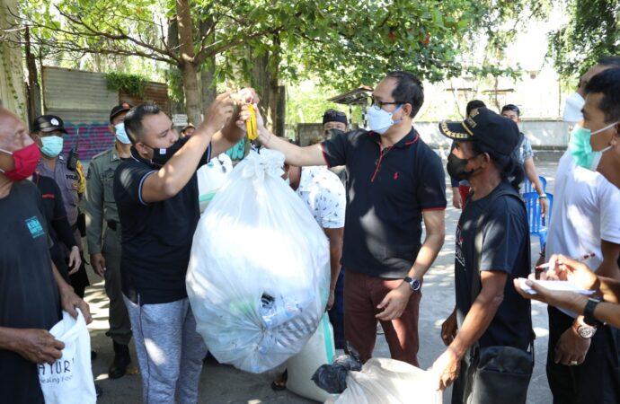 Gerakan Merdeka Bebas Sampah Plastik di Kedonganan
