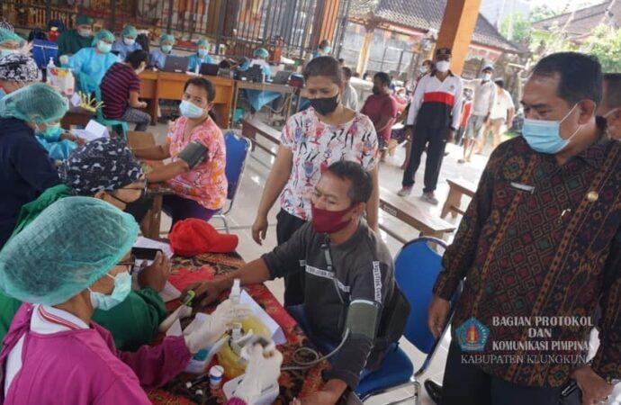 Wabub Kasta Tinjau Vaksinasi di Desa Nyanglan