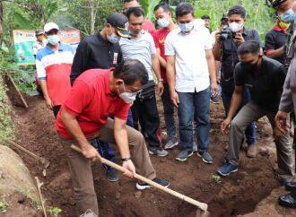 Bantuan Bedah Rumah untuk Kadek Taman di Desa Kayuputih Melaka