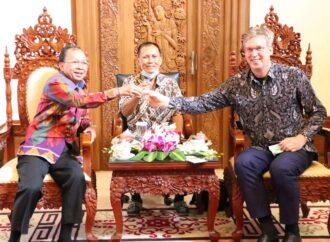 Dubes Vincent Piket  Kepincut  Arak Bali. Ini Komentarnya