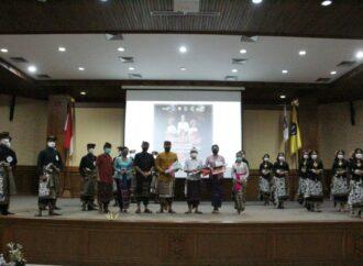 Stary Brosnan dan I Wayan Bayu Adhi Saputra Duta GenRe Kabupaten Badung 2021