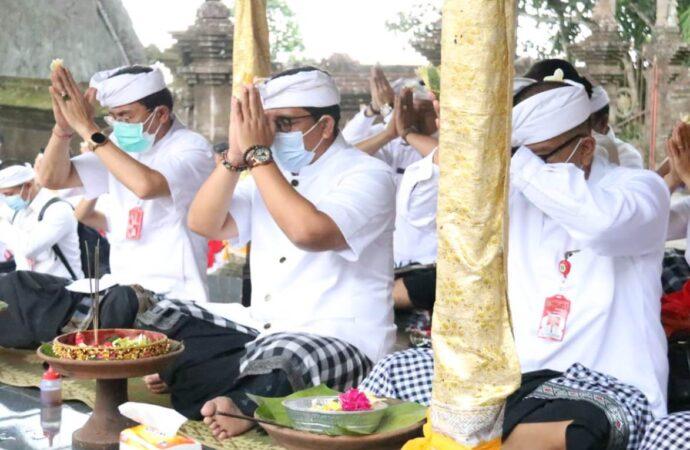 Pujawali di  Pura Luhur Muncak Sari dan Pura Luhur Dalem Purwa Kubontingguh