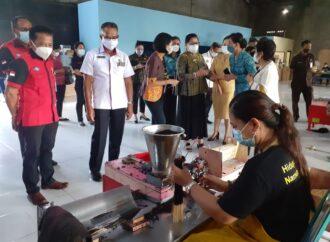 PKK Gianyar Gelar Pelatihan Pembuatan Dupa