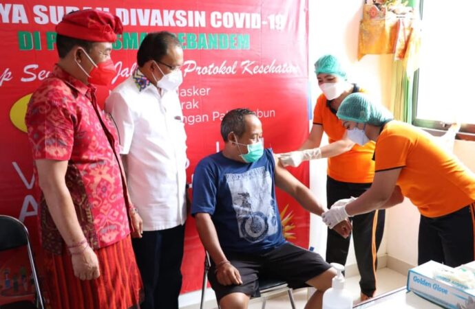 Koster Instruksikan Gede Dana Gencarkan Vaksinasi Berbasis Banjar