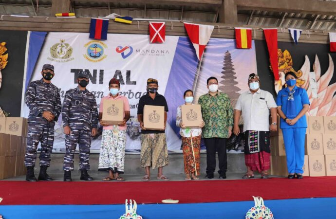 Bakti Sosial TNI AL di Buleleng