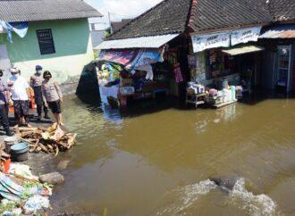 Sungai Candigara Meluap,  Puluhan Rumah Warga Kebanjiran