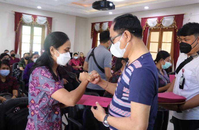 SK Bupati untuk Guru Honor SD dan SMP di Badung