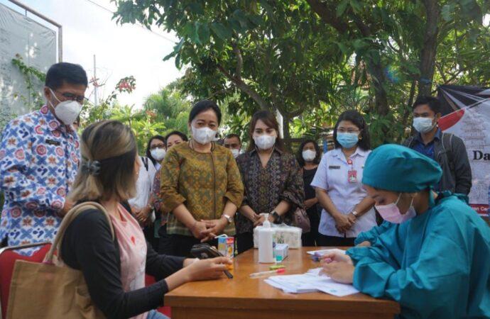 Ny. Antari Jaya Negara Kunjungi Faskes di Kota Denpasar