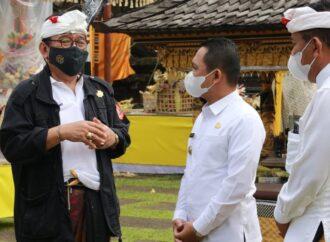 Disaksikan Bupati Lumajang, Wagub Cok Ace Pastikan  Karya di Pura Mandhara Giri Semeru Agung Sesuai Prokes