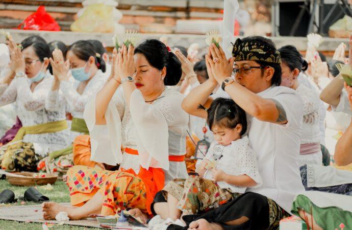 Pujawali di Pura Lingga Bhuwana Puspem Badung