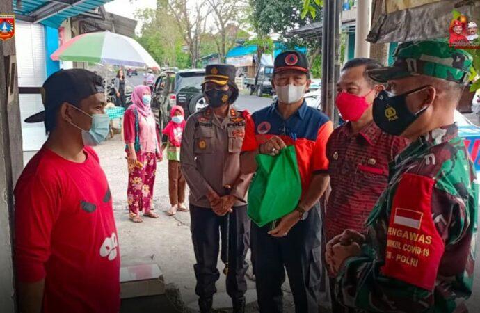 Bergotong Royong Ringankan Beban Masyarakat  Terdampak Pandemi