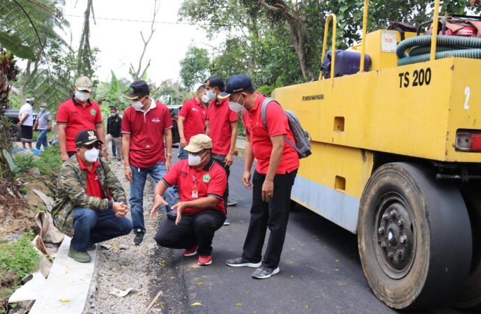 Bupati Sanjaya Pantau Perbaikan Jalan