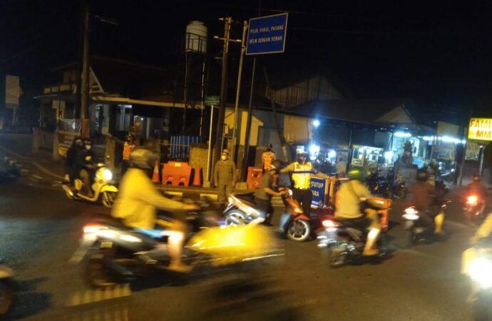 Operasi Prokes di Kelurahan Sesetan