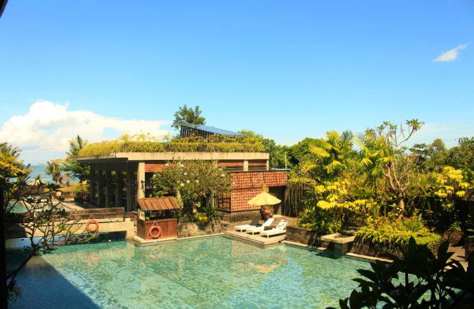 """""""Romantic Escape"""" di The Haven Suites Bali Berawa"""
