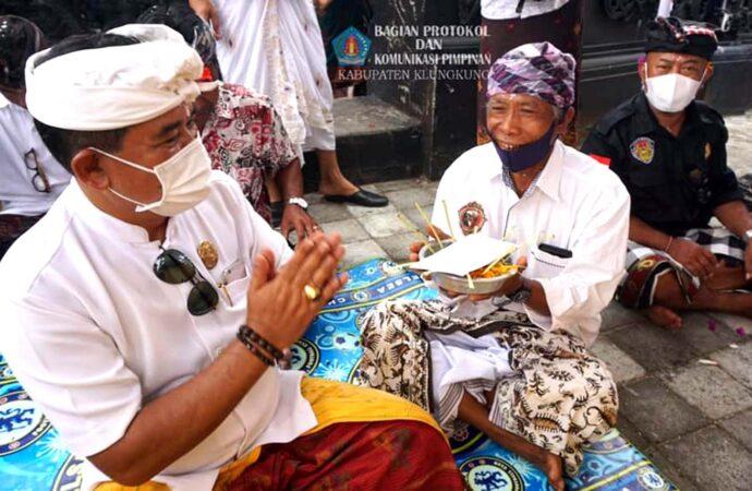 Upacara Adat di Nusa Penida, Ingatkan Panitia Yadnya Tetap Terapkan Prokes