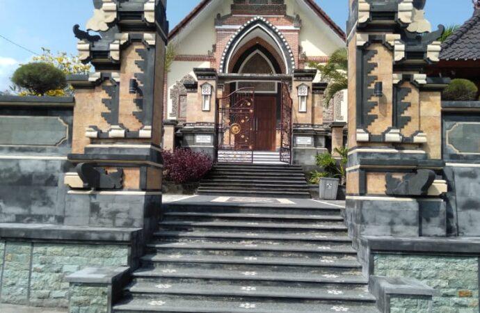 Mengedukasi  Jemaat Gereja Katolik Santa Maria Ratu Gumbrih