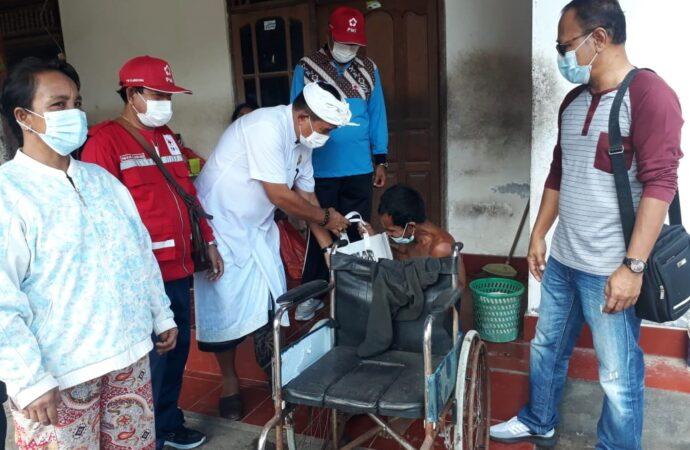 Paket Sembako untuk Empat Penyandang Disabilitas