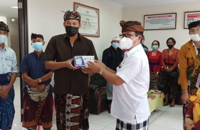 Pemprov Bali Bagikan 175.000 Masker untuk Pedagang dan Pengelola Pasar