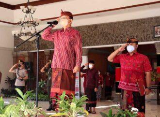 Peringati Hari Jadi Provinsi Bali ke-63, Wabup Sutjidra Ajak Masyarakat Bangkit Bersama