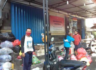 Masyarakat Desa Dangin Puri Klod  Menabung Sampah
