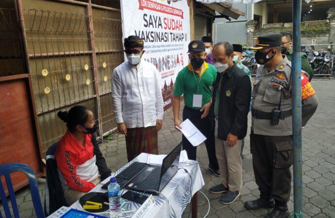 Jaya Negara Tinjau Vaksinasi di LDII Bali
