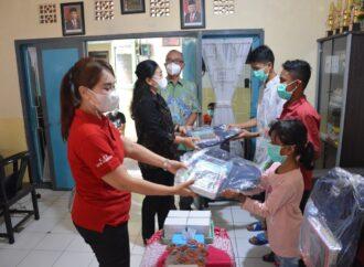 Bantuan Alat Tulis untuk Anak Panti Asuhan