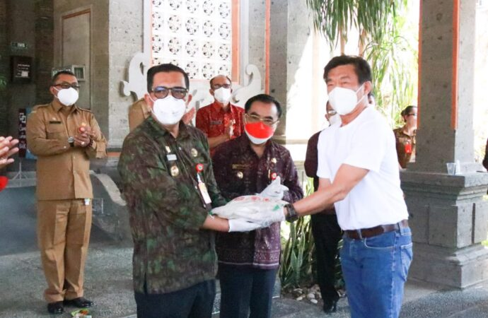 Bantuan Beras dari Masyarakat Tionghoa Bali