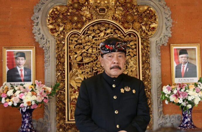 Tjokorda G. Putra A.A Sukawati Terima Tanda Kehormatan Satyalencana Kepariwisataan