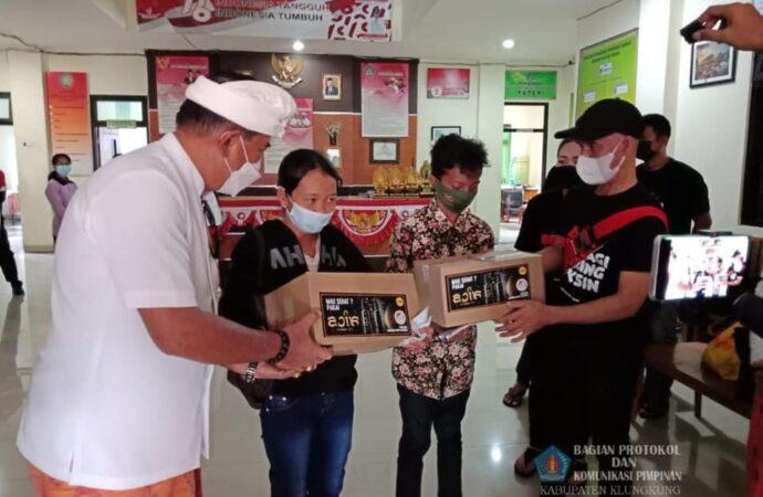 700 Paket Sembako Sasar Nusa Penida
