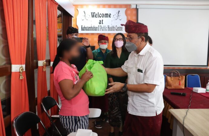 Paket Sembako untuk 150 ODHA di Buleleng