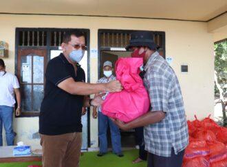 Bantuan Sembako di Buleleng Menyasar Kelompok Nelayan