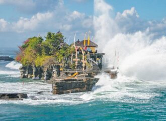 Tanah Lot Attraction Has Opened, Visitors Must Obey Health Protocol