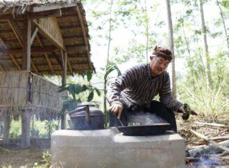 Nikmatnya Cita Rasa Kopi Jawa di Tugu Kawisari Coffee