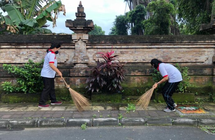 """World Clean Up Day"" di Kelurahan Sumerta"