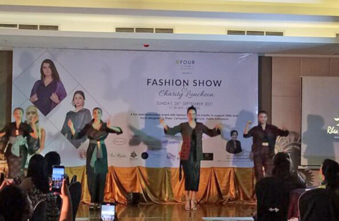Various Endek Enlivens Fashion Show at Four Star by Trans Hotel